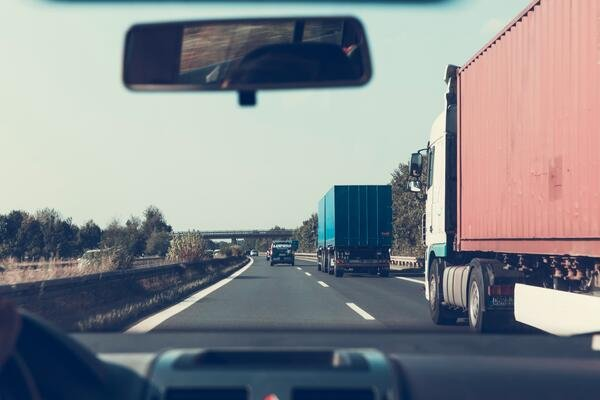 How to Navigate Police Reports in a Truck Accident